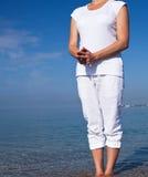 Yogafrau, die Übungen tut lizenzfreie stockfotografie