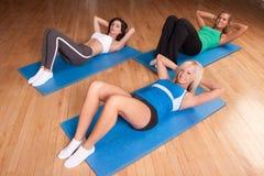 Yogafreunde stockbilder