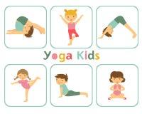Yogajonge geitjes Stock Foto's