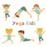Yogajonge geitjes Stock Foto