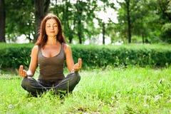 Yogakvinna Arkivbild