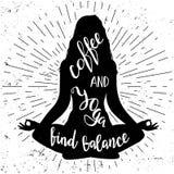 Yogalotussitzschattenbild mit Beschriftungsphrasenkaffee und Yoga findet Balance Nette und lustige Illustration mit Stockfotos