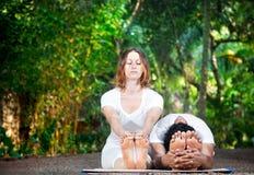 Yogapar Fotografering för Bildbyråer