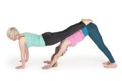 Yogavrouwen position_160 Stock Afbeeldingen