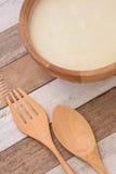 Yoghurt met ontbijt stock afbeeldingen