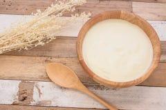 Yogur con el desayuno Imagen de archivo