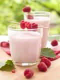 Yogur con las frambuesas foto de archivo libre de regalías