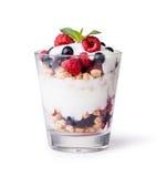Yogur con muesli y las bayas Fotografía de archivo libre de regalías