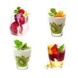 Yogur fresco con hielo del kiwi y de la fruta Fotos de archivo libres de regalías