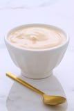 Yogur fresco del melocotón Fotografía de archivo libre de regalías