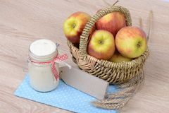 Yogurt and apples Royalty Free Stock Photography