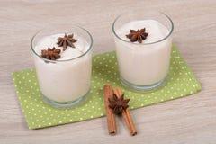 Yogurt with cinnamon Royalty Free Stock Photography