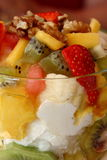 Yogurt com fruta Imagem de Stock Royalty Free