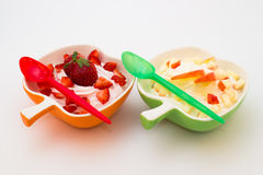 Yogurt com fruto Fotografia de Stock