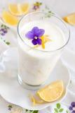 Yogurt del limone Fotografia Stock