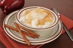 Yogurt della cannella di Apple Immagini Stock Libere da Diritti