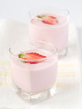 Yogurt della fragola Immagine Stock