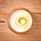 Yogurt e mel Fotografia de Stock