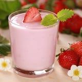 Yogurt with fresh strawberries Stock Photography