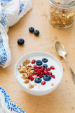 Yogurt with granola and berries Royalty Free Stock Photos