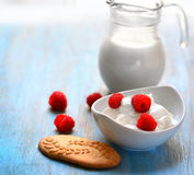 Yogurt with raspberries Royalty Free Stock Images