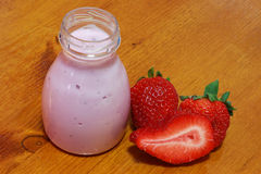 yogurt with strawberries Stock Images