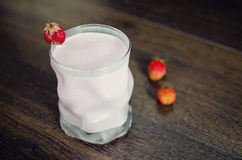 Yogurt and strawberries Royalty Free Stock Images