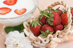 Yogurt with strawberry in glass bowl Stock Photography