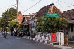 YOGYAKARTA, INDONESIEN - CIRCA IM SEPTEMBER 2015: Straße von Yogyakarta-Stadt, Indonesien stockbild