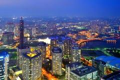 Yokohama en la noche imagenes de archivo