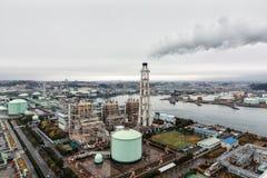 Yokohama LNG Grodzkiego gazu dostawca w deszczowym dniu Obrazy Stock