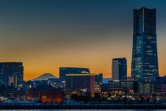 Yokohama och Mount Fuji   Royaltyfri Bild