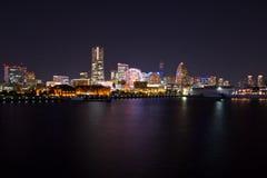 Yokohama-Stadt nachts Lizenzfreie Stockbilder