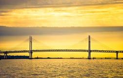 Yokohama zatoki most przy ranku wschodem słońca fotografia royalty free
