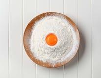 Yolk e farinha de ovo Imagem de Stock Royalty Free