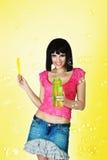 Yong-Frauenschlagluftblasen Stockbild