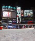 Yonge和Dundas广场在冬天 免版税图库摄影