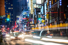 Yonge街北部在晚上 库存图片