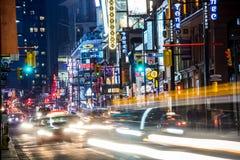Yonge-Straße Nord nachts Stockbilder