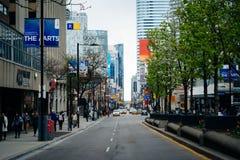 Yongestraat dichtbij Ryerson-Universiteit, in Toronto van de binnenstad, Ontar Stock Afbeelding