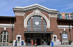 Yonkers, NY : 地铁北部火车站 免版税库存图片