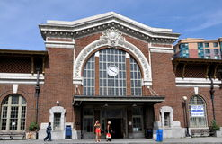 Yonkers, NY: Станция рельса Метро-Севера Стоковые Изображения RF