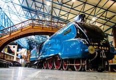 York Förenade kungariket - 02/08/2018: Värld rec för lokomotiv för ånga A4 royaltyfri bild
