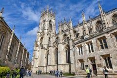 York Minster, la cathédrale historique construite en style architectural gothique et point de repère de la ville de York en Angle Images libres de droits