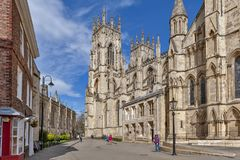 York Minster, la cathédrale historique construite en style architectural gothique et point de repère de la ville de York en Angle Photographie stock libre de droits