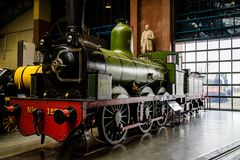 York, Regno Unito - 02/08/2018: Una locomotiva a vapore verde nella t immagine stock libera da diritti