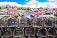 Yorkshire Scarborough, Whitby hamnsjösida UK arkivfoton