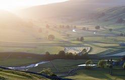 Yorkshire-Tal-Sommer hell Stockbild