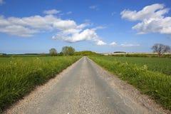 Yorkshire-Woldsstraße Stockbild