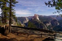 Yosemite bij nacht royalty-vrije stock afbeeldingen